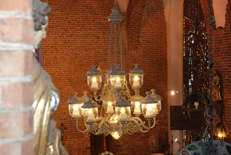 ekskluzywny żyrandol, żyrandol LED, oświetlenie pałacowe, oświetlenie kościoła